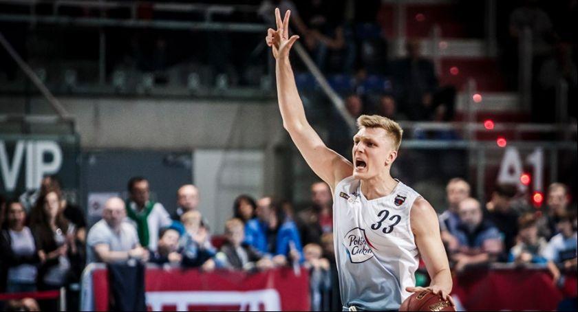 Koszykówka, Twarde Pierniki jedną nogą finale! - zdjęcie, fotografia