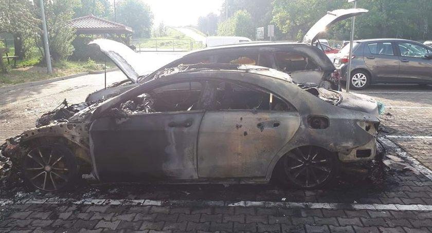 Sprawy kryminalne, Pożar parkingu Toruniu dużo uszkodzonych dzieło podpalacza [FOTO] - zdjęcie, fotografia