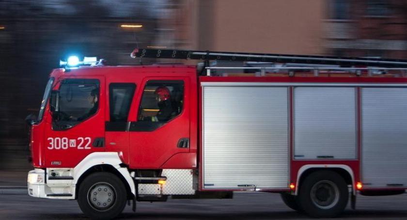 Straż pożarna, Akcja straży pożarnej Dąbrowskiego stało - zdjęcie, fotografia