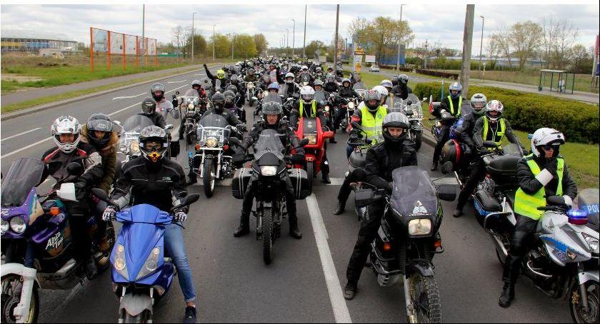 Wydarzenie, Motocykliści przejadą ulicami podtoruńskiej gminy - zdjęcie, fotografia