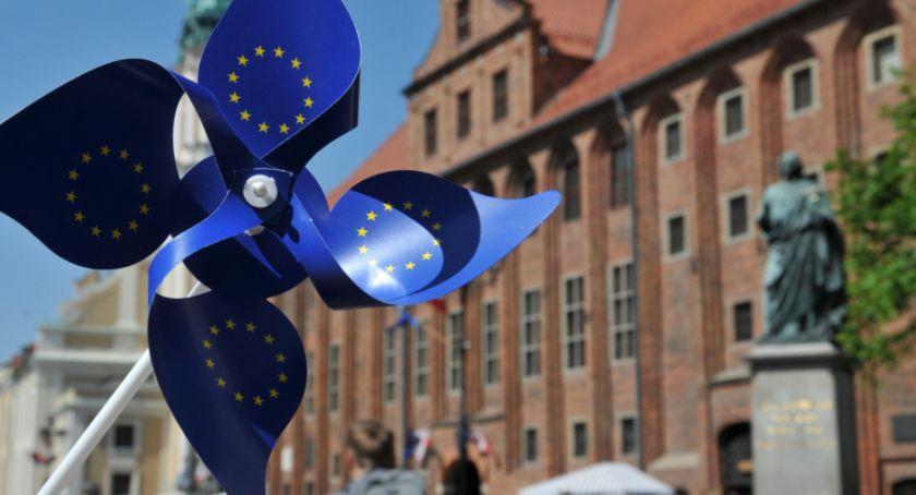 Komunikaty, Wybory Parlamentu Europejskiego Toruniu zmiany siedzib obwodowych komisji wyborczych! - zdjęcie, fotografia