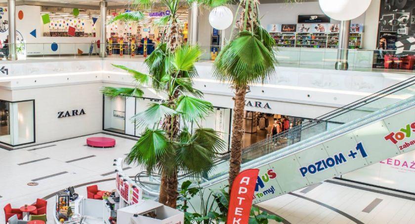 Inwestycje, Centrum Handlowo Rozrywkowym Toruń PLAZA pojawiły sklepy - zdjęcie, fotografia