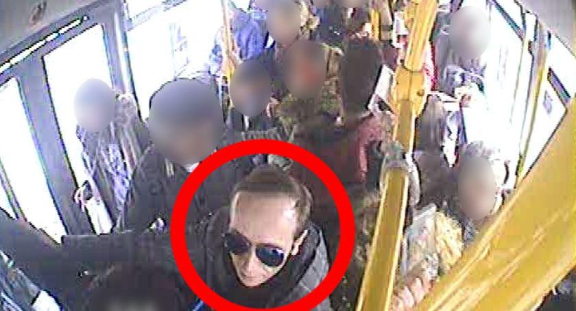 Sprawy kryminalne, Przestępstwo charakterze seksualnym toruńskim autobusie Rozpoznajesz mężczyznę [FOTO] - zdjęcie, fotografia