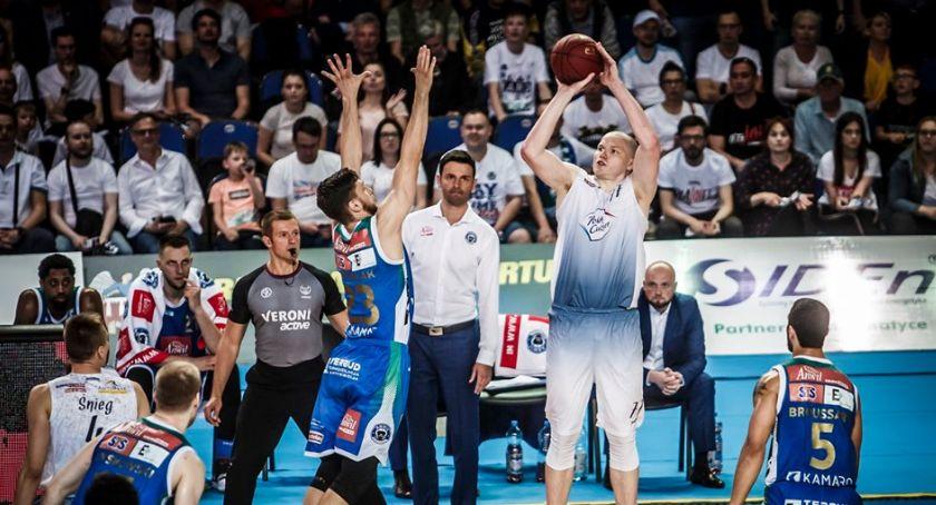 Koszykówka, Kolejny horror Arenie Toruń Twarde Pierniki bliżej Mistrzostwa Polski! - zdjęcie, fotografia