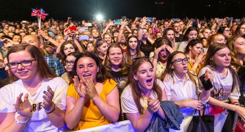 """Kujawsko-Pomorskie, bawiliście koncercie """"Pod wspólnym niebem"""" Toruniu [FOTO] - zdjęcie, fotografia"""