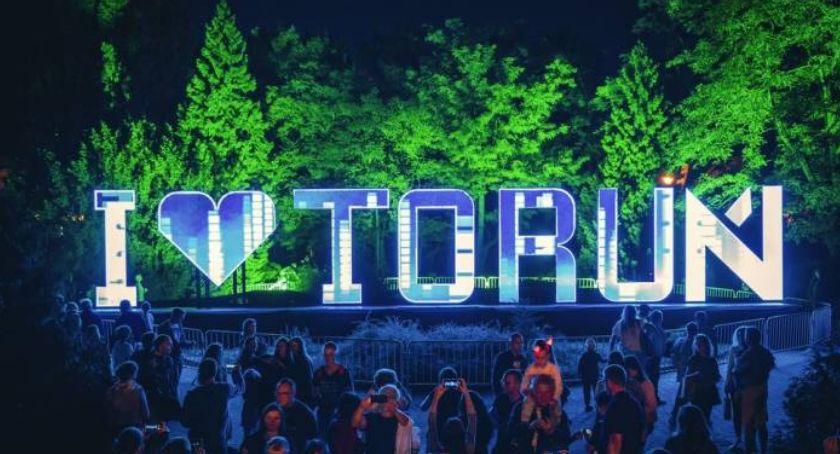 Ciekawostki, Wielkie gwiazdy muzyki wystąpią Bella Skyway Festival Toruniu! - zdjęcie, fotografia