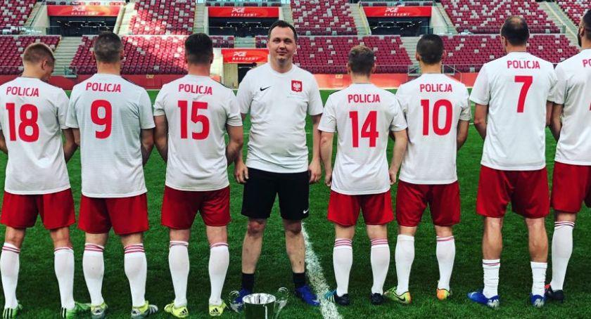 Piłka Nożna, Mariusz Kałużny zagrał drużynie ministra sportu Witolda Bańki [FOTO] - zdjęcie, fotografia
