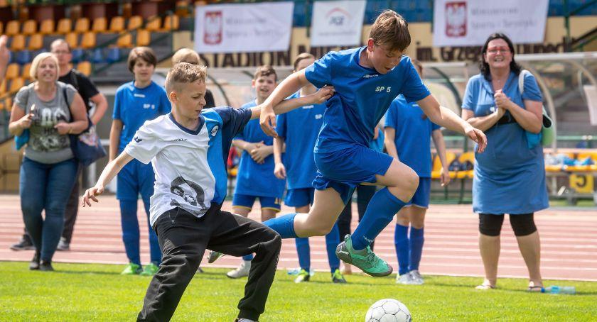 Piłka Nożna, Przed ostatni turniej eliminacyjny Puchar Dyrektora - zdjęcie, fotografia
