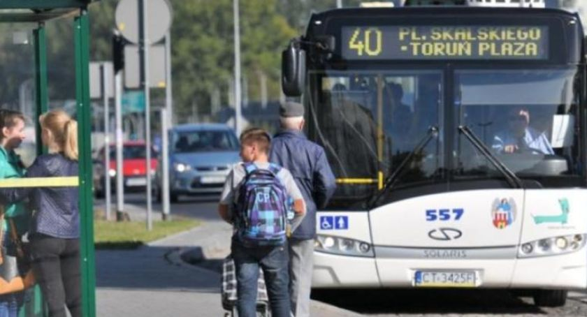 Komunikacja miejska, Dlaczego kierowcy Toruniu korzystają klimatyzacji - zdjęcie, fotografia