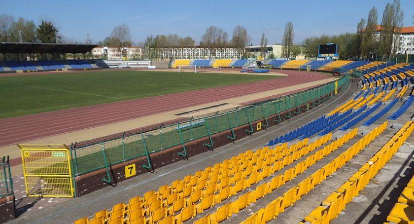 Piłka Nożna, Przetarg modernizację stadionu unieważniony! - zdjęcie, fotografia