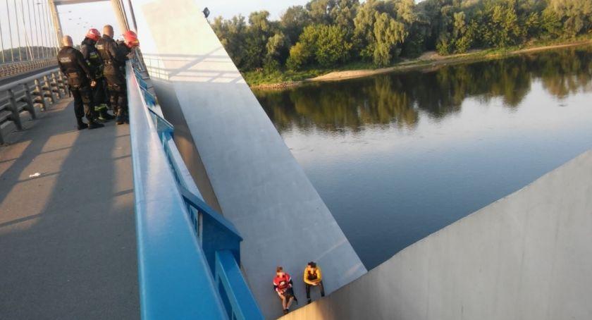 Straż Miejska, Akcja ratunkowa nowym moście drogowym Toruniu! - zdjęcie, fotografia