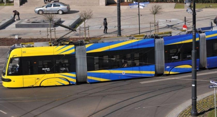 Inwestycje, linia tramwajowa Torunia Miasto ogłosiło przetarg - zdjęcie, fotografia