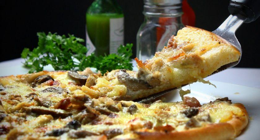 Ciekawostki, Popularny punkt zniknął gastronomicznej Torunia - zdjęcie, fotografia