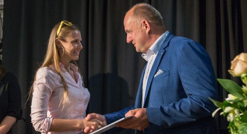 Kujawsko-Pomorskie, Marszałek przyznał stypendia utalentowanych twórców [FOTO] - zdjęcie, fotografia