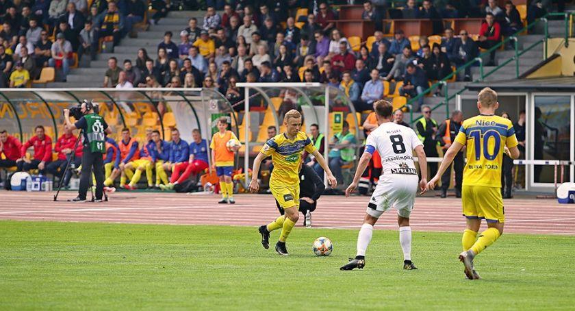 Piłka Nożna, Elana Toruń bezradna własnym stadionie - zdjęcie, fotografia