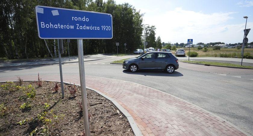 Drogi, Polscy obrońcy Lwowa patronują rondu Toruniu [FOTO] - zdjęcie, fotografia