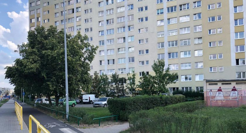 Sprawy kryminalne, Tragedia Toruniu żyje mężczyzna który skoczył ósmego piętra [FOTO] - zdjęcie, fotografia