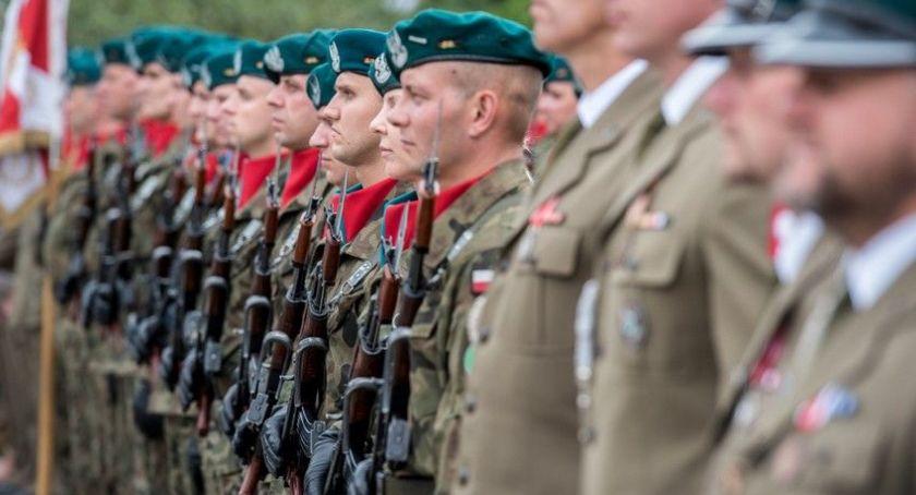 Komunikaty, Toruniu uczcimy Święto Wojska Polskiego - zdjęcie, fotografia