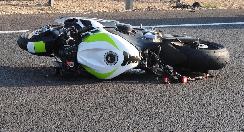 Wypadki, Wypadek udziałem motocyklisty Toruniu utrudnienia! - zdjęcie, fotografia