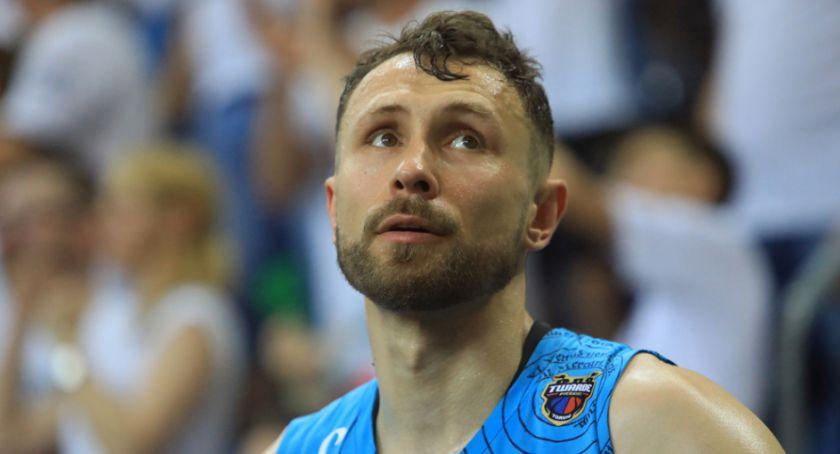 Koszykówka, Łukasz Wiśniewski odchodzi Twardych Pierników kontrowersyjnych okolicznościach - zdjęcie, fotografia