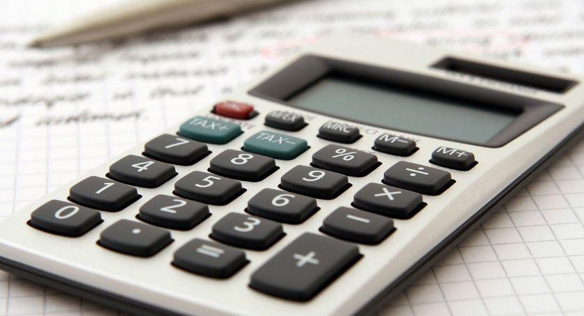 Biznes, Kredyt konsolidacyjny dodatkową gotówką dobry sposób wyjście długów - zdjęcie, fotografia