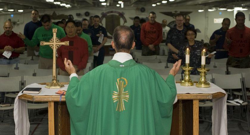 Religia, Kontrowersyjny pomysł prosto Torunia naszym mieście rozpoczął nietypowej intencji - zdjęcie, fotografia