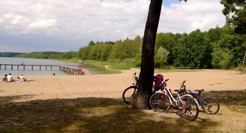 Wydarzenie, ostatnie wakacyjne wydarzenie jeziorem Kamionkach - zdjęcie, fotografia