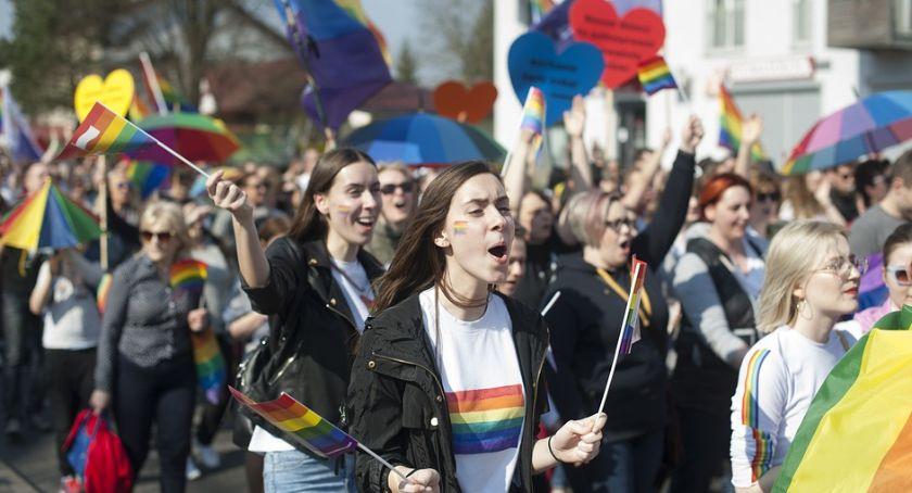 Komunikaty, Marsz Równości Toruniu Jeszcze odbył budzi wielkie kontrowersje - zdjęcie, fotografia
