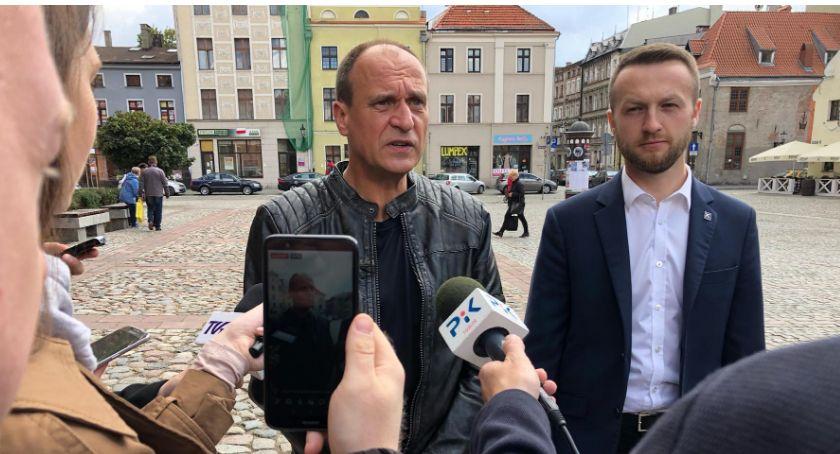 Partie Polityczne, Paweł Kukiz wizytą Toruniu Grzmiał straszył zaapelował mieszkańców - zdjęcie, fotografia