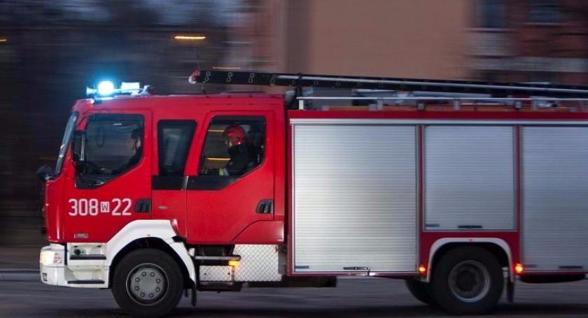 Straż pożarna, Pożar Toruniu Ewakuacja mieszkańców cztery osoby szpitalu - zdjęcie, fotografia