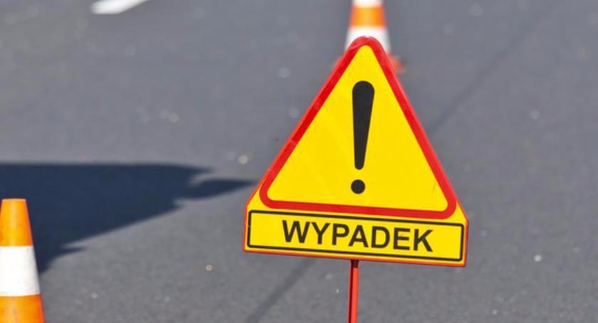 Wypadki, Wypadek Toruniem kierowca reanimowany Droga całkowicie zablokowana! - zdjęcie, fotografia