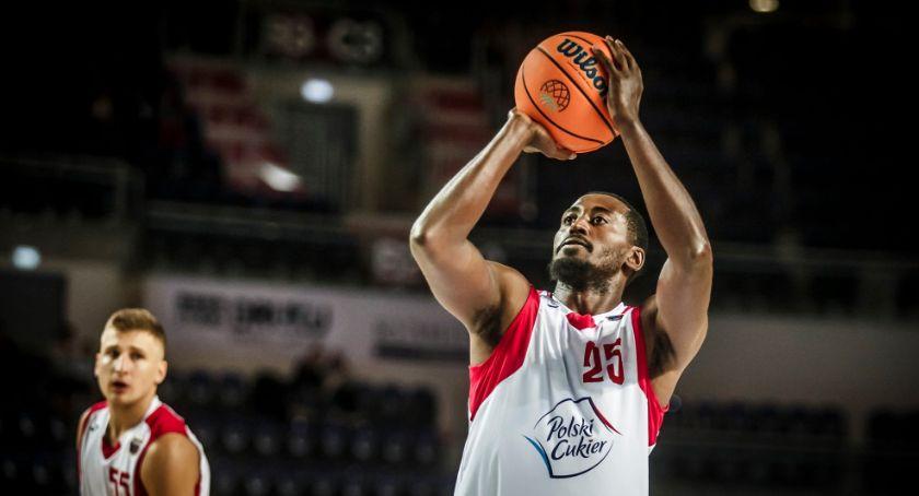 Koszykówka, Emocjonująca inauguracja Energa Basket Arenie Toruń - zdjęcie, fotografia