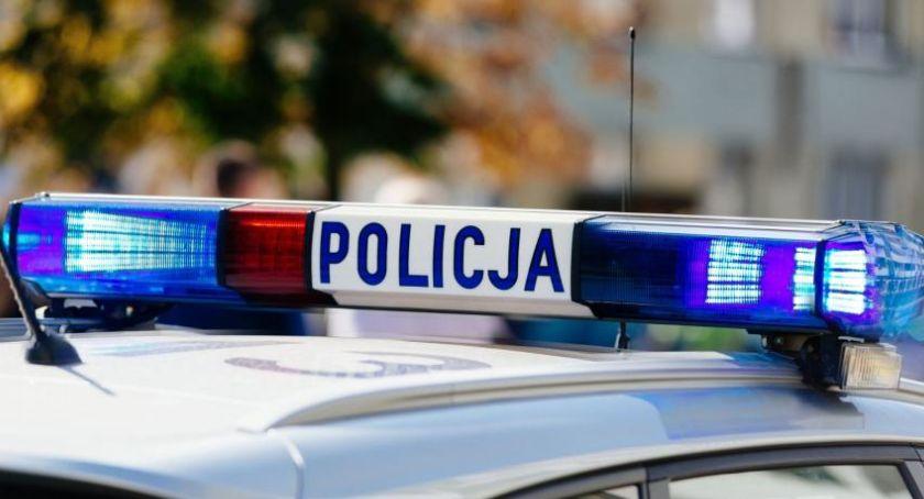 Sprawy kryminalne, Wandale zniszczyli przystanki autobusowe Toruniu naprawę zapłacimy [FOTO] - zdjęcie, fotografia