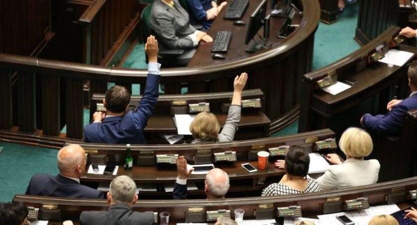 Posłowie i senatorowie, Sławomir Mentzen dostał Konfederacja będzie mieć Sejmie posła Torunia - zdjęcie, fotografia