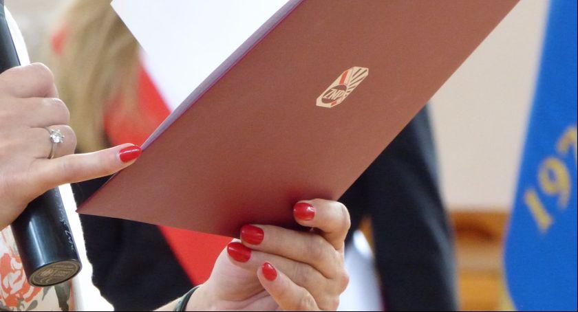 Wydarzenie, Nauczycielki gminy Lubicz odebrały medale prezydenta Andrzeja - zdjęcie, fotografia