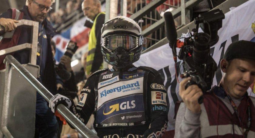 Grand Prix, Kontrowersje Toruniu Woffinden zaatakował imprezie innego żużlowca - zdjęcie, fotografia