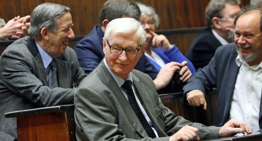 Uczelnie wyższe, Andrzej Kossakowski laureatem polskiego Nobla - zdjęcie, fotografia