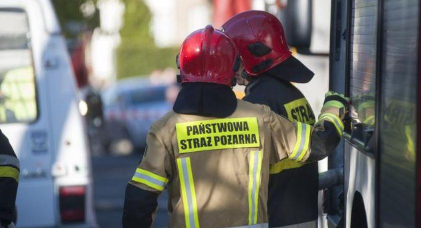 Straż pożarna, Wybuch mieszkaniu Gagarina Toruniu akcja służb ratunkowych - zdjęcie, fotografia