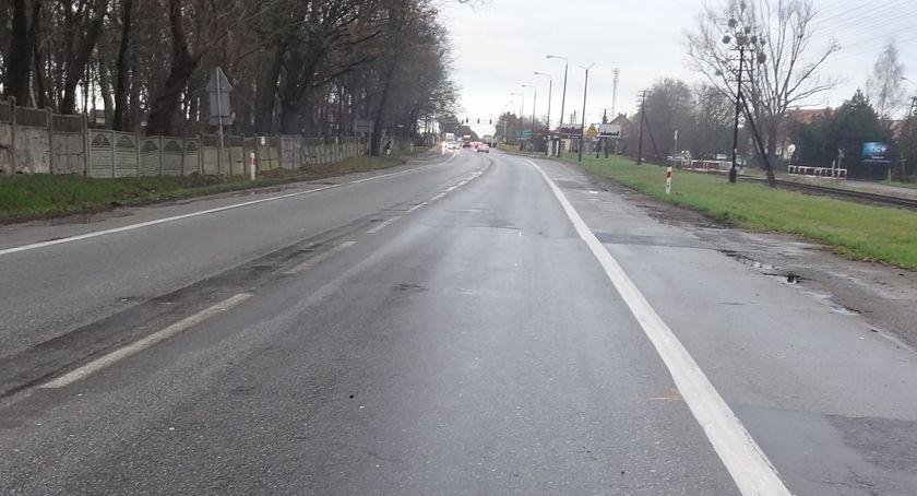 Drogi, Przed kierowcami wyjątkowo trudne Drogowcy Toruniem mogą tworzyć korki - zdjęcie, fotografia