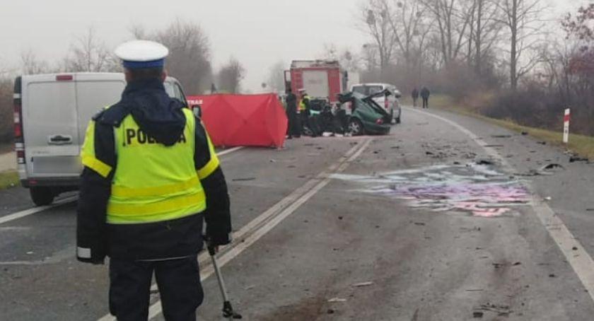 Wypadki, Tragiczny poranek Toruniem żyją mężczyźni [FOTO] - zdjęcie, fotografia