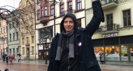 Toruń protestował przeciwko rasizmowi. Rozmawiamy z Michałem Musielakiem