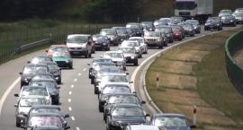 Polacy wracają do domu. Korki w okolicach Torunia na A1