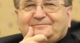 Wiemy, ile MON przekazał toruńskiej Fundacji o. Rydzyka!