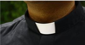 Ile zarabiają księża?