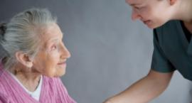 Toruń pomoże chorym na Alzheimera. Rozmawiamy z Anną Świtoń