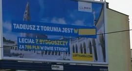 Zaskakująca reklama Portu Lotniczego. Gdzie poleciał Tadeusz z Torunia?! [FOTO]