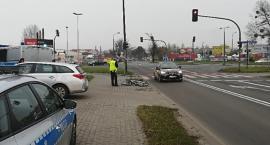 Rowerzysta wjechał wprost pod toyotę! [FOTO]