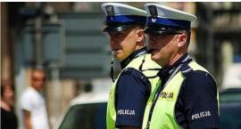 Policjanci z Torunia na ustach opozycji w całym kraju. Co takiego zrobili? [FOTO]