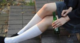 15-latka z Torunia trafiła do szpitala. Upiła się do nieprzytomności!