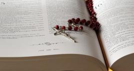 Pieśni religijne, egzorcyzmy i woda święcona. To mogło skończyć się tragicznie…